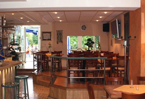 Foto 5 von Restaurant Freie Schwimmer in Düsseldorf