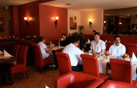 Foto 2 von Restaurant Slavia Am Rhein in Köln