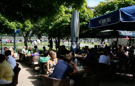 Foto 3 von Restaurant Slavia Am Rhein in Köln