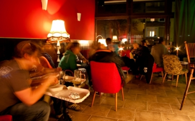 pavlov 39 s berlin friedrichshain kreuzberg bars lounges. Black Bedroom Furniture Sets. Home Design Ideas