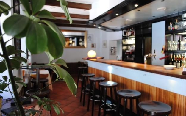 bar restaurant biergarten balkanija k ln zollstock balkan. Black Bedroom Furniture Sets. Home Design Ideas