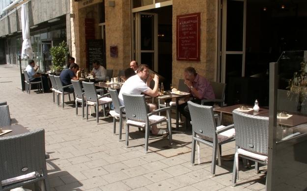 Foto 7 von Cafe Bar Restaurant Metropol in Düsseldorf