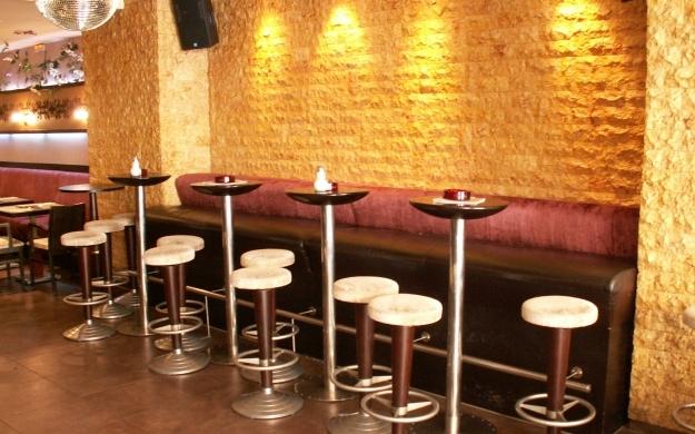 Foto 3 von Cafe Bar Restaurant Metropol in Düsseldorf