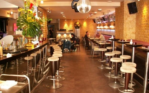 Foto 2 von Cafe Bar Restaurant Metropol in Düsseldorf