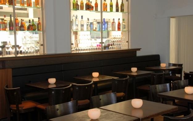 Foto 4 von Adulis Food-Cocktails-Sports in Stuttgart