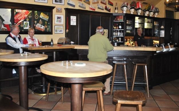 Foto 2 von Wirtshaus Em Höttche in Köln