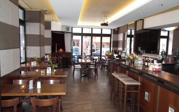 cayetano berlin friedrichshain kreuzberg bars lounges biergarten k che. Black Bedroom Furniture Sets. Home Design Ideas