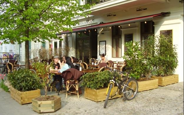 Foto 2 von Aznavourian Bar Restaurant Caf' Conc' in Berlin