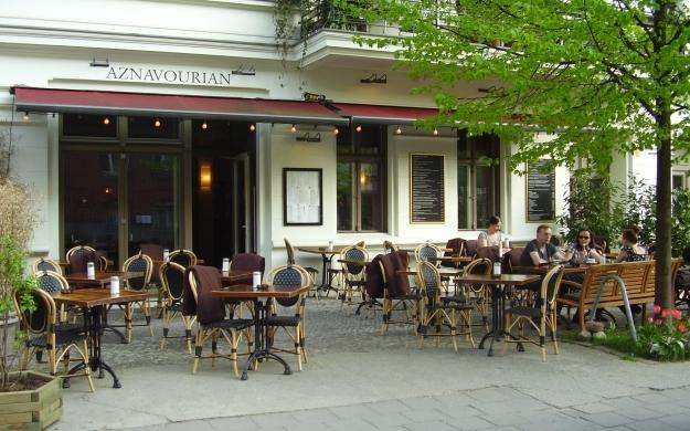 Foto 7 von Aznavourian Bar Restaurant Caf' Conc' in Berlin