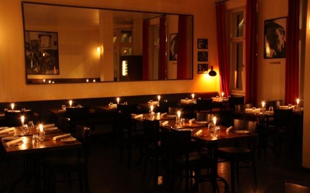 Foto 4 von Aznavourian Bar Restaurant Caf' Conc' in Berlin