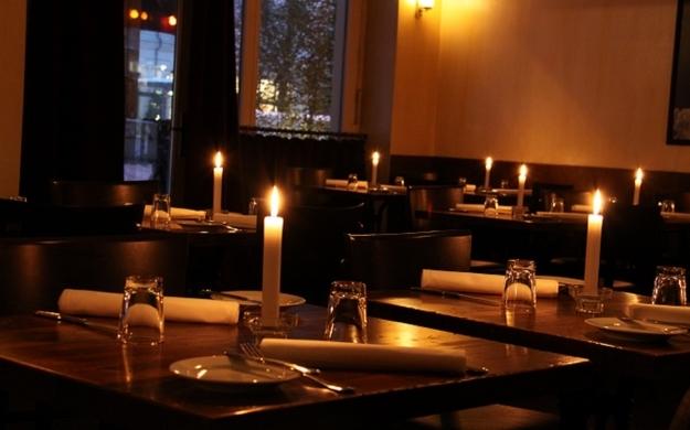 Foto 3 von Aznavourian Bar Restaurant Caf' Conc' in Berlin