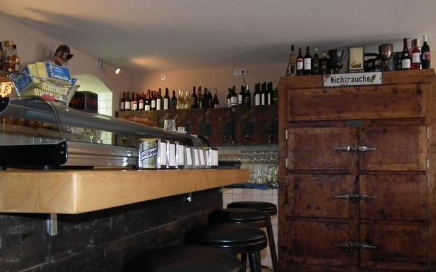 Foto 4 von EL TINTO Bodega & Tapas Bar in Berlin