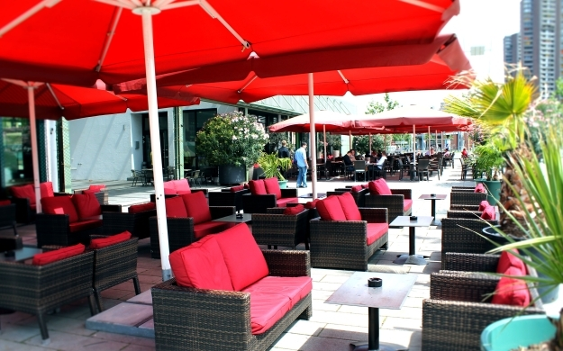 restaurant platzhaus mannheim neckarstadt bars lounges raucherbereich. Black Bedroom Furniture Sets. Home Design Ideas