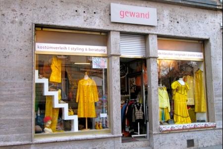 Photo von gewand kostümverleih-entwurf-zweite hand in Stuttgart