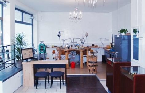 Foto 4 von Schmuck Raum Goldschmiedemeister-Werkstatt in Böblingen