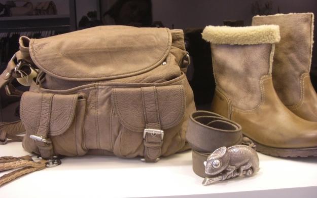 Foto 3 von b.wundert, fashion, shoes & accessoires in Düsseldorf
