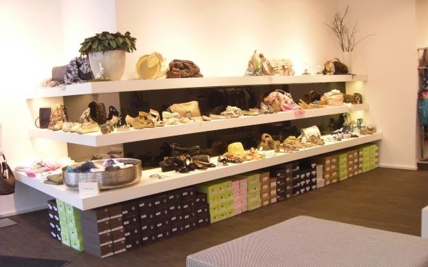 Foto 2 von b.wundert, fashion, shoes & accessoires in Düsseldorf
