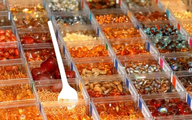 Thumbnail für Beads-N-More Glasperlen und Zubehör