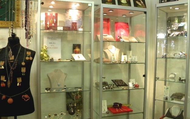 Foto 4 von Stilbruch Schmuck-Geschenke-Accessoires in Saarlouis